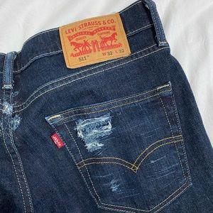 511 levi's distressed jeans
